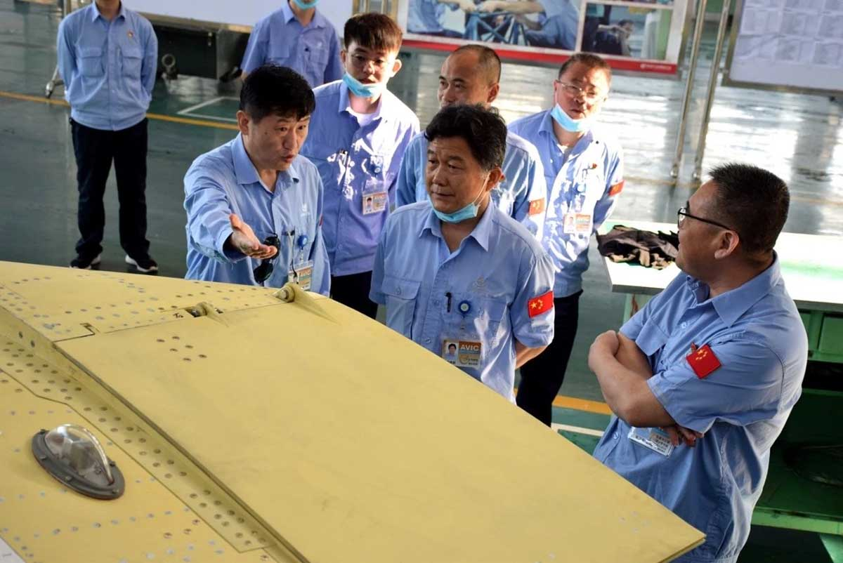 Китайцы продолжают попытки посадить МиГ-21 на палубу... JL9_3