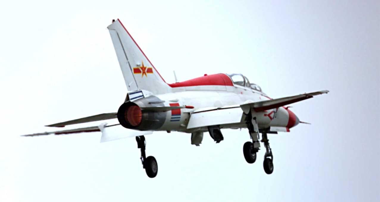 Китайцы продолжают попытки посадить МиГ-21 на палубу... JL9_5