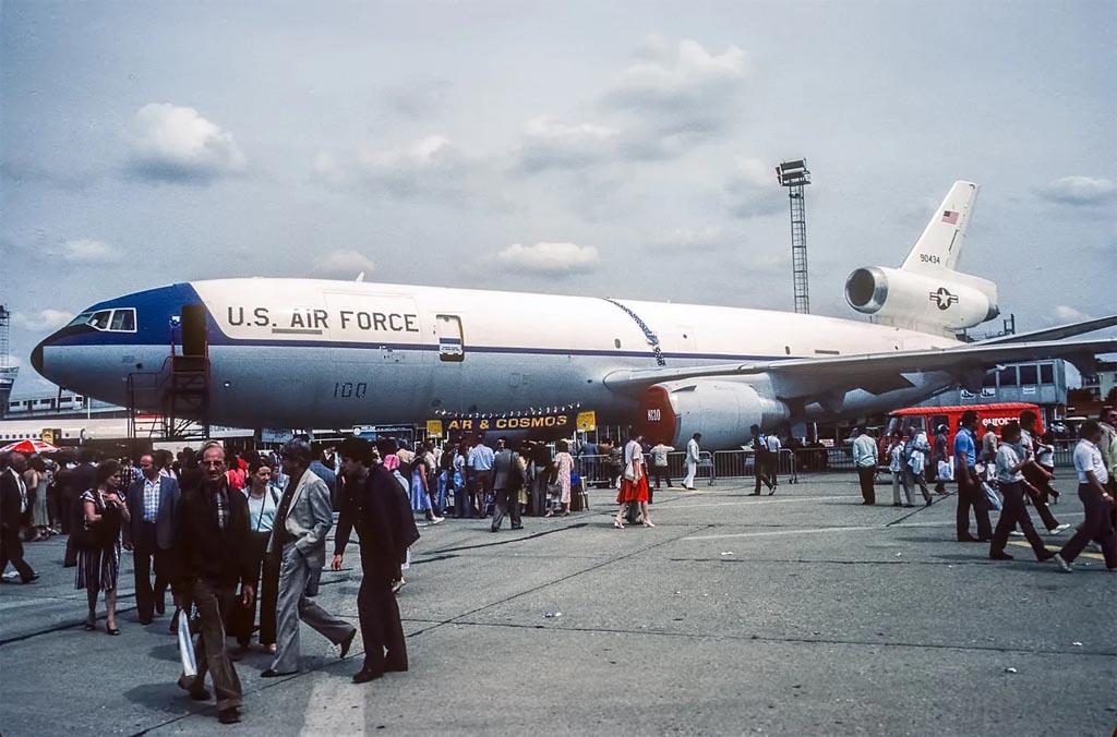 KC-10b