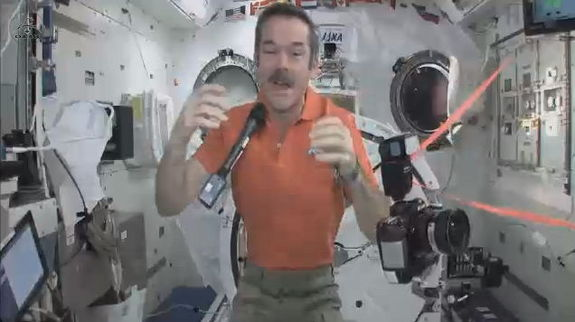 hadfield-floating-mic-camera
