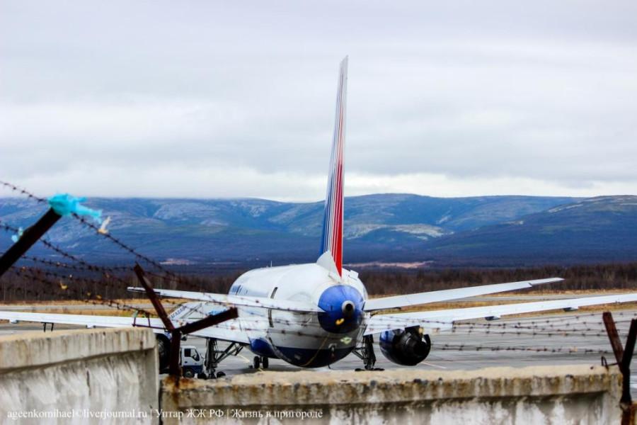 1. Boeing 767-300 а-к Трансаэро