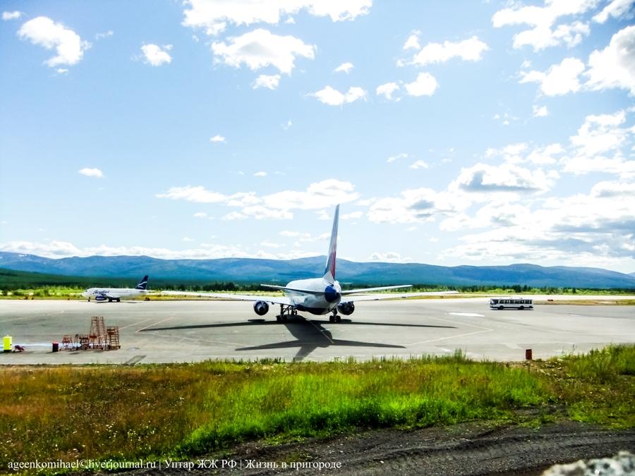 Boeing 767-300 а-к Трансаэро и Sykhoy Superjet100 (2)