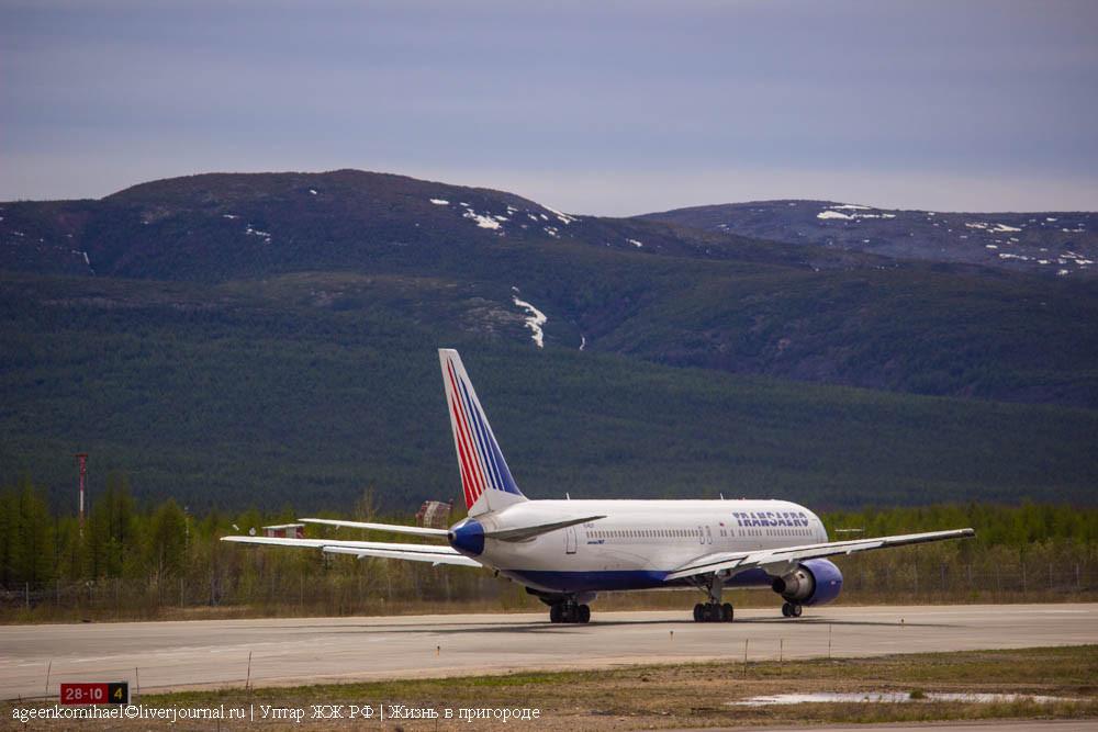 руление Boeing 767-300ER а-к Трансаэро EI-RUY