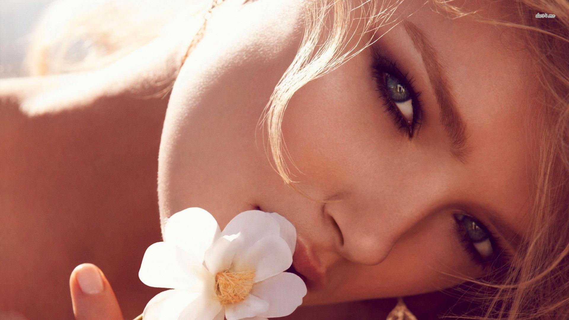 26619-blonde-holding-a-blossom-1920x1080-girl-wallpaper