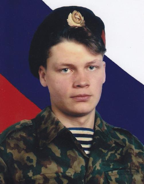 http://ic.pics.livejournal.com/agranovsky/8705509/136110/136110_640.jpg