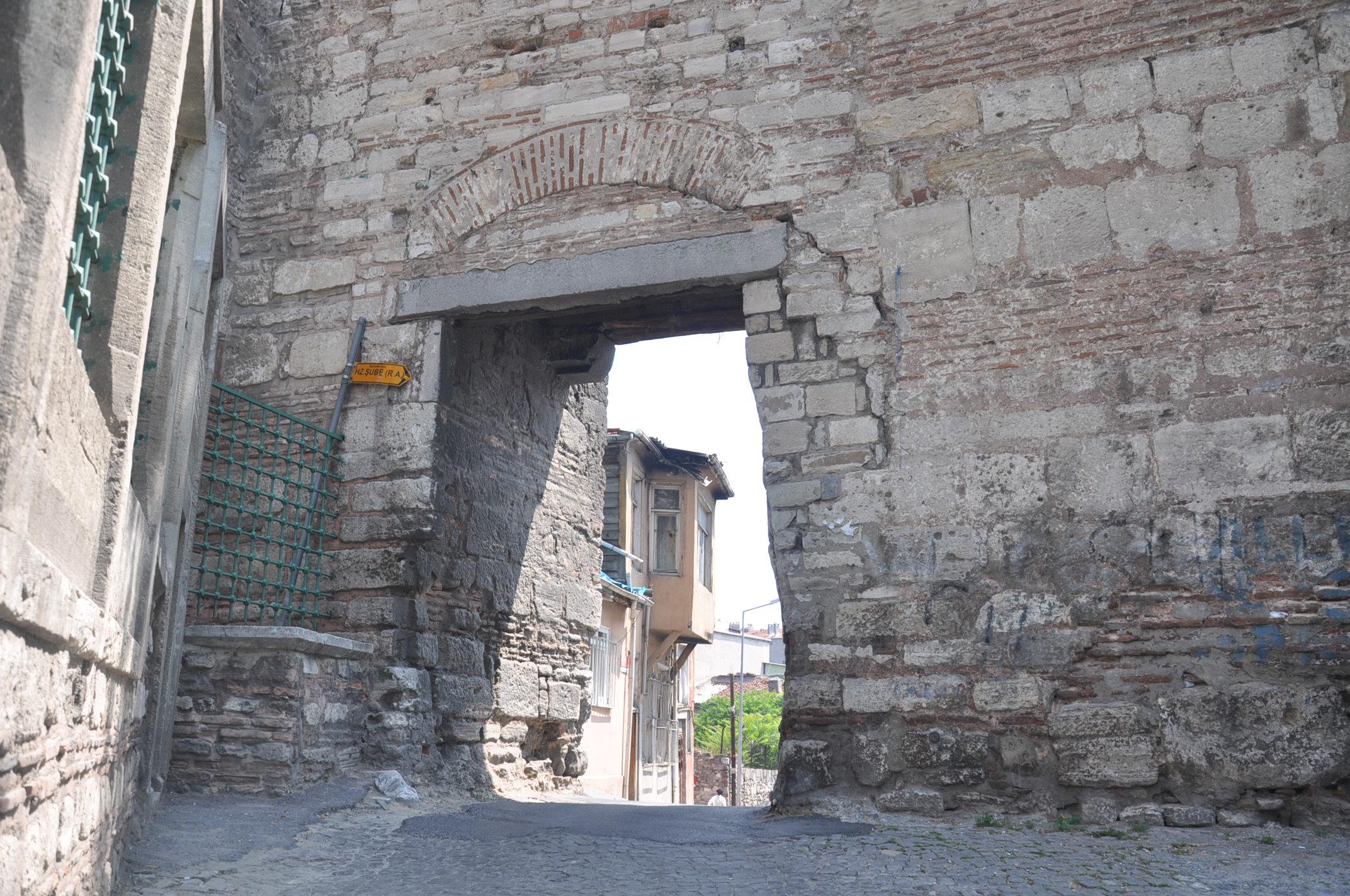 Ворота Калигария