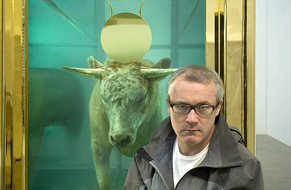 damien_hirst_the_golden_calf01