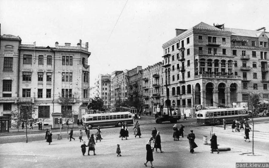 1776 пересечение-улиц-красноармейской-и-с фото старого киева 1951 год