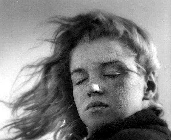 3 Marilyn-Monroe---Andre-de-Dienes-1