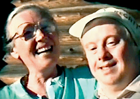 3 Ия Саввина с сыном-инвалидом