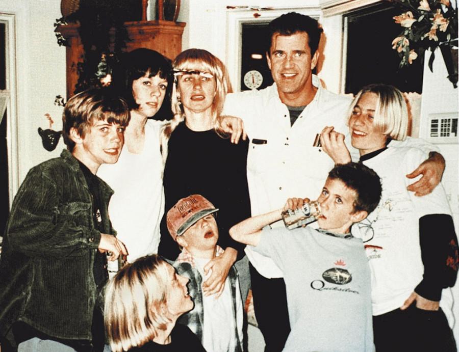 7в Мэл Гибсон с семьей