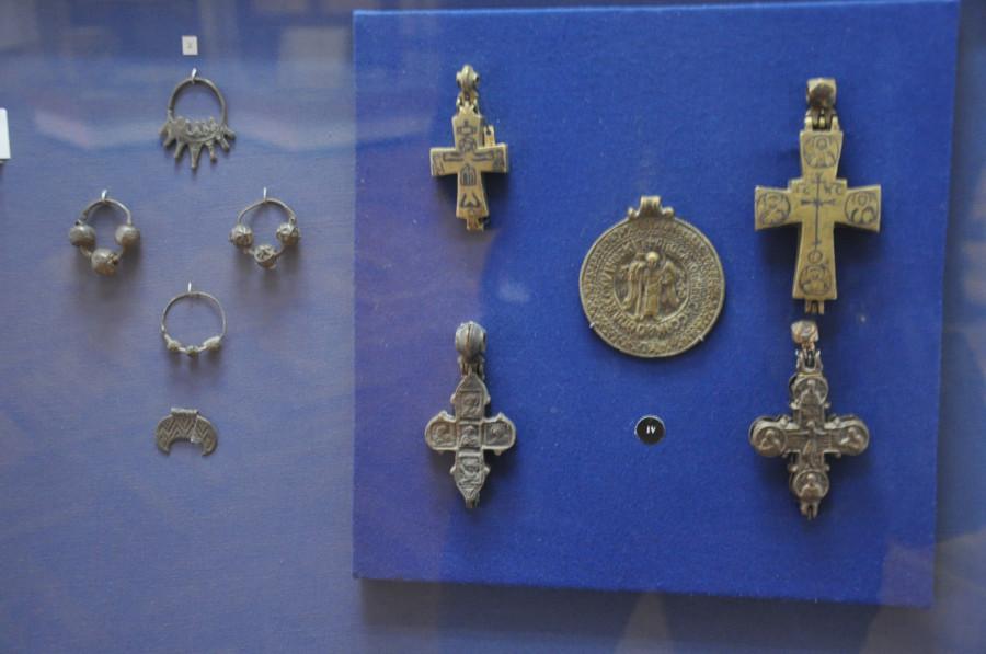Кресты и украшения 9-12 век, Киев