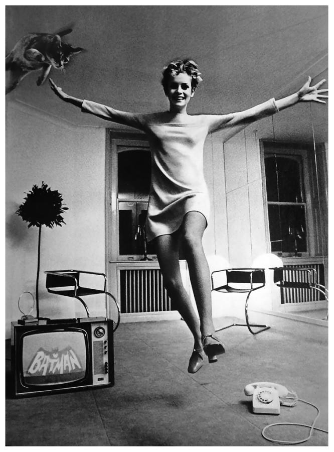 1967 twiggy-e-la-sua-gatta-by-helmut-newton-1967-c