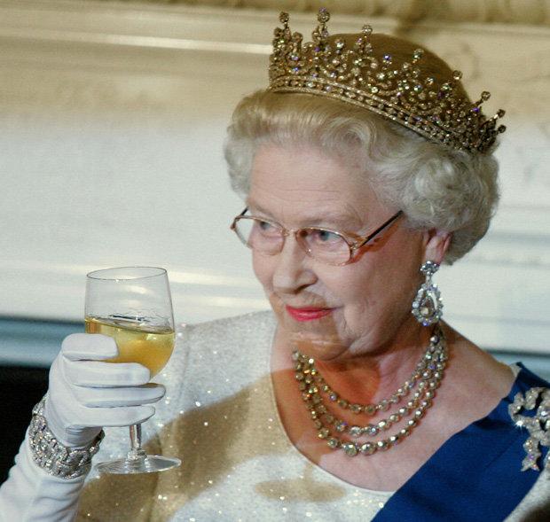 Queen-elizabeth-ii-f
