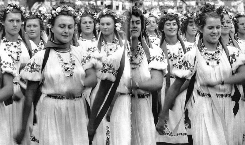 1954 Москва, Делегация спортсменок Украины, стадион Динамо