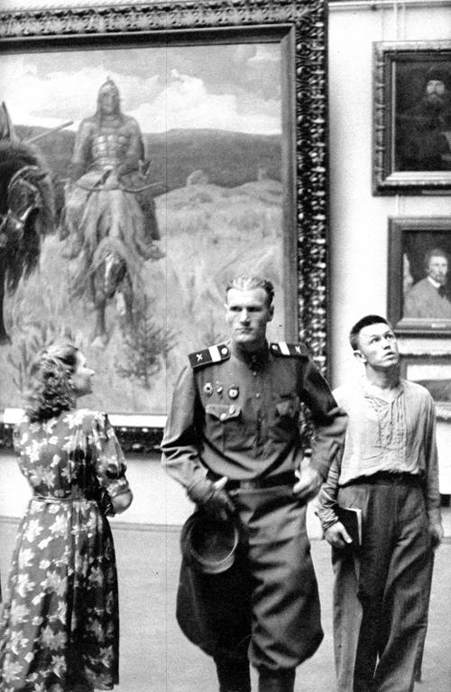 1954 Москва, В Третьяковской галерее