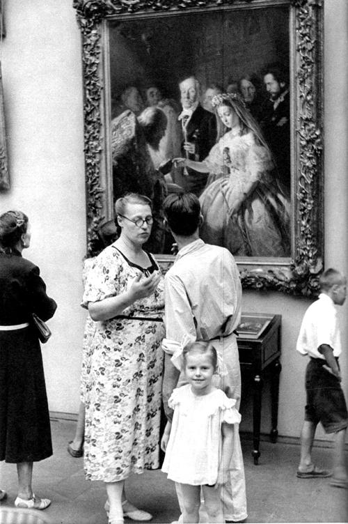 1954 Москва, В Третьяковской галерее1