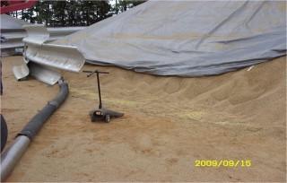 Хранение зерна на хозяйстве. Выгрузка зерна из быстровозводимых кольцевых зернохранилищ