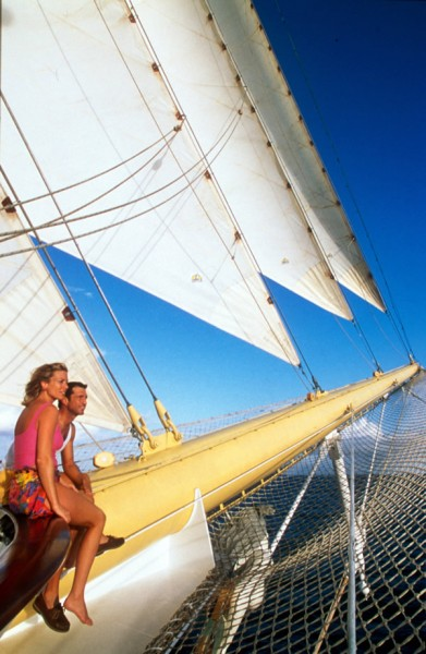 The-romance-of-sailing-makes-Star-Clippers-an-ideal-choice-for-honeymooners.