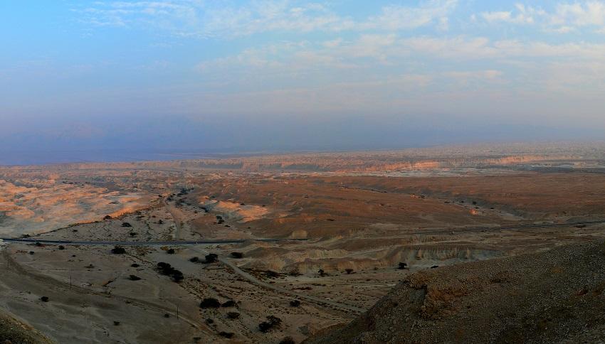 По дороге от Мертвого моря в Димону. ь