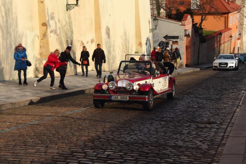 16 DPP_11 На улице в Праге