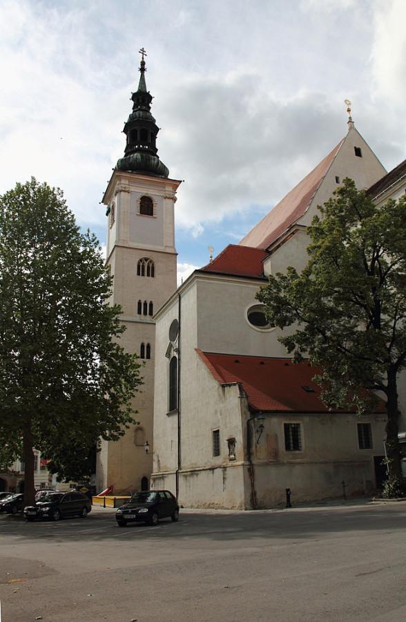 47 IMG_8921m приходская церковь на Pfarrplatz m