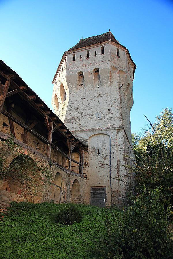 51 Башня и крепостные стены