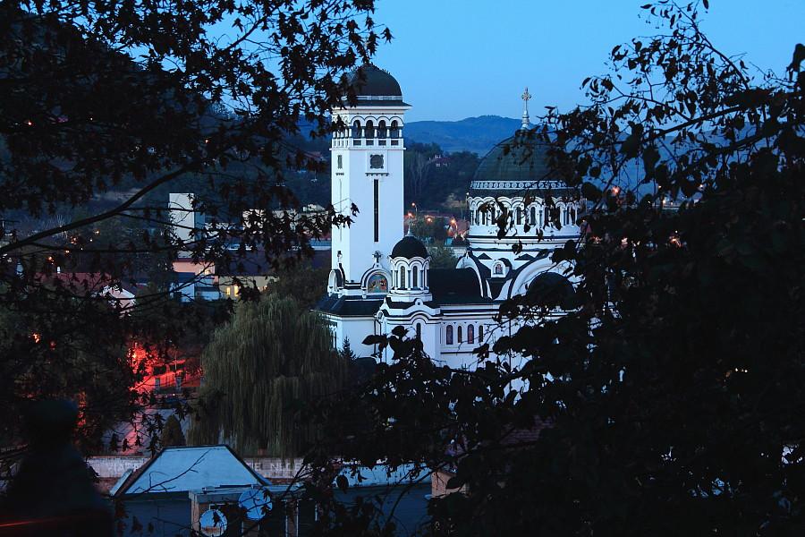 42 Православная церковь вечером