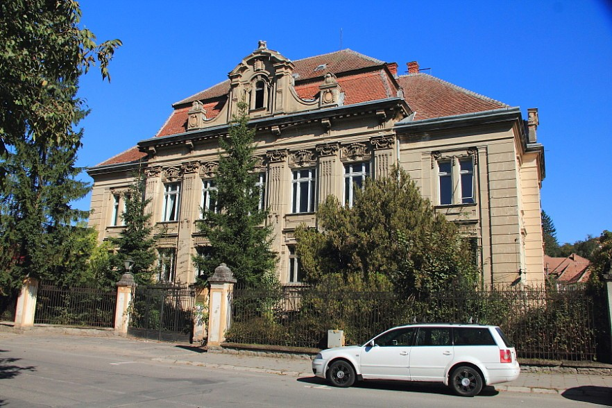 36 Здание университета