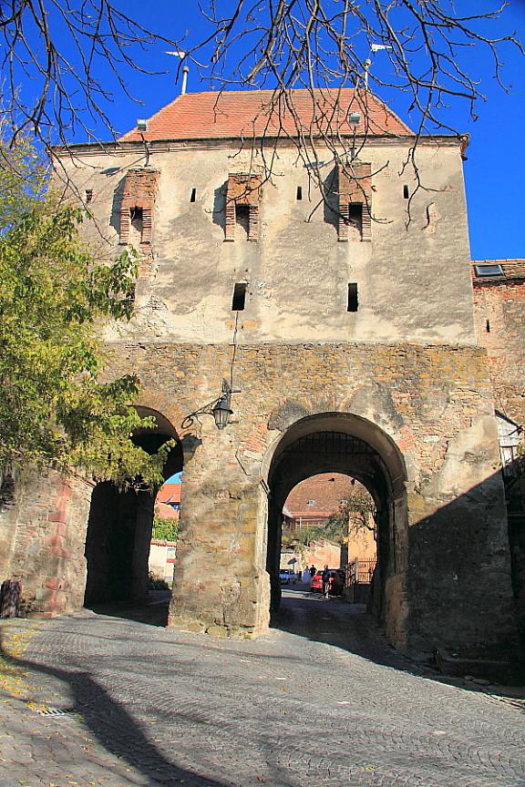 4Стены цитадели и въездные ворота