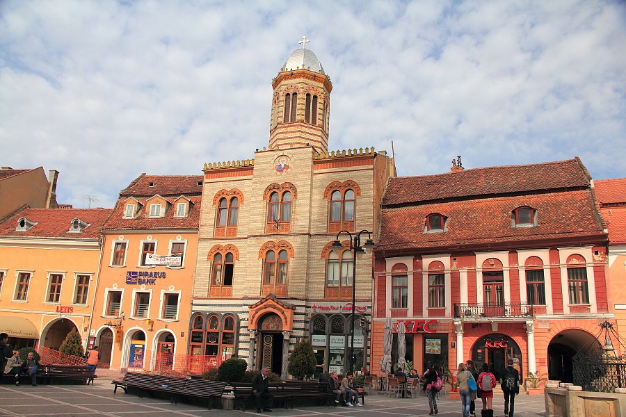 20 Православная церковь на главной площади Брашева.