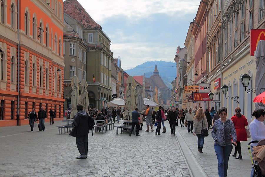 18 «Пешеходная улица Republicii в Брашове»