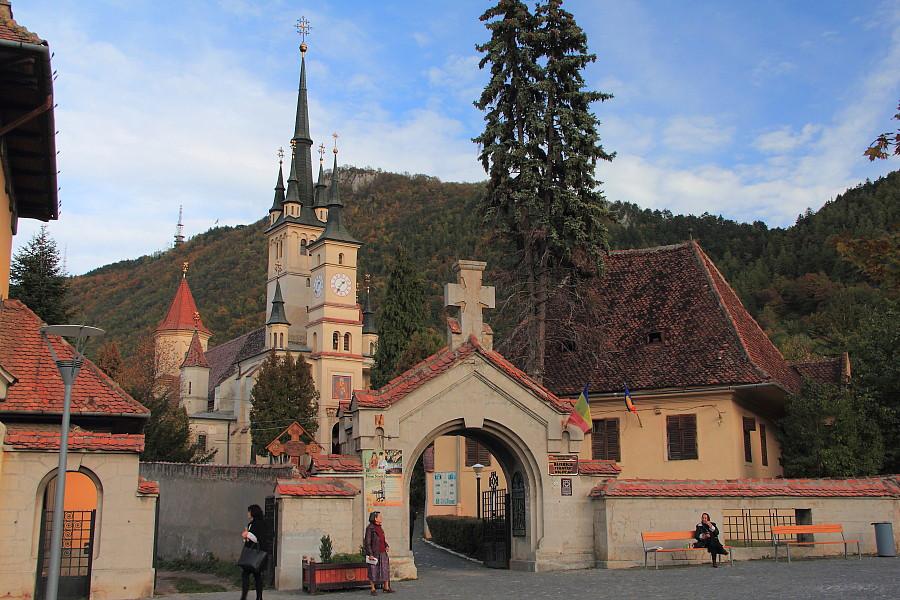 17 Входные ворота Церковь Святого Николая (рум. Biserica Sfântul Nicolae) — румынская православная церковь в Брашове,