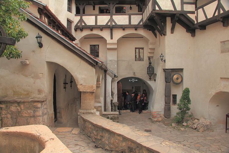 21 Внутрений дворик