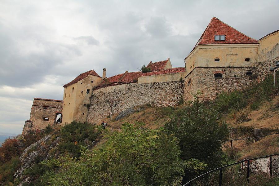 12  На пути к входу в крепость