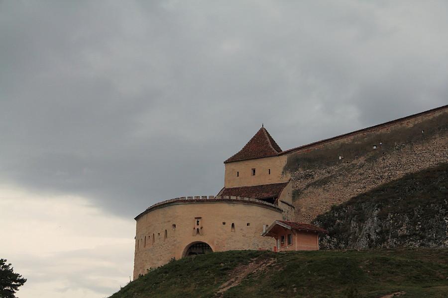 6 Башня и стены крепоти.