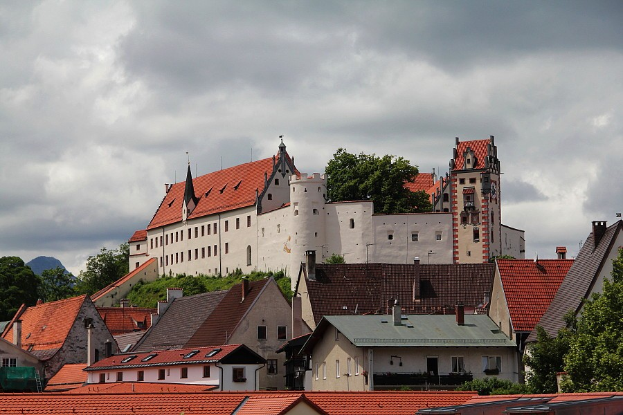 32 Замок епископов  на вершине холма Шлоссберг