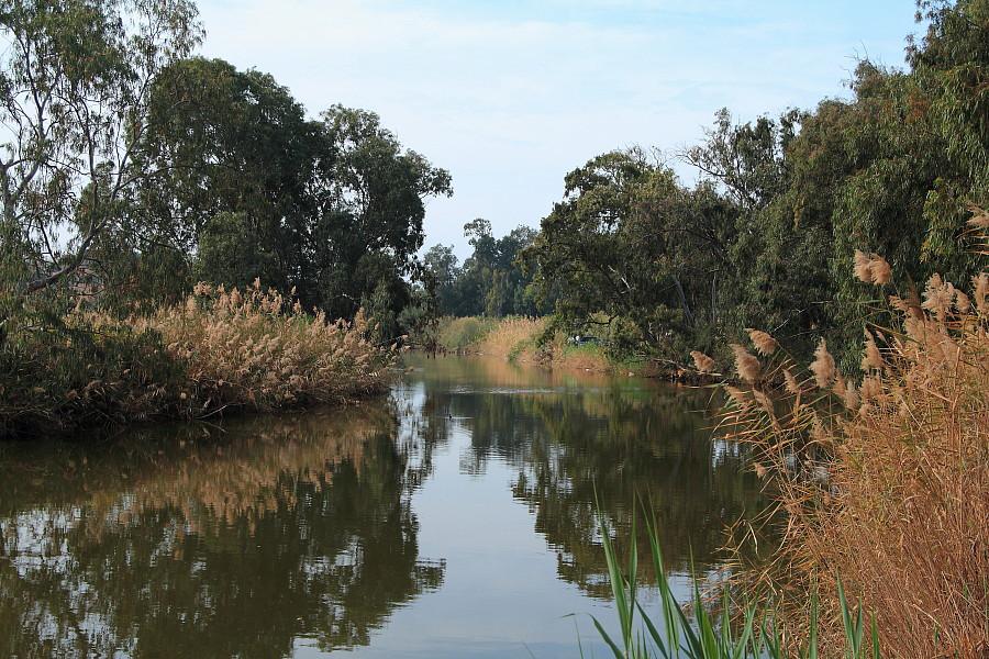 2 В близи устья реки Александр