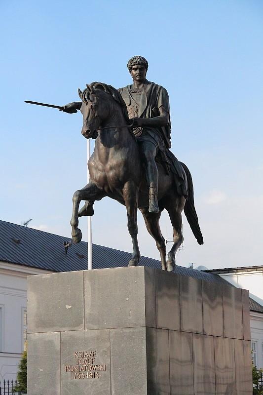25 DPP_968236 Памятник князю Юзефу Понятовскому перед прездентским дворцом.