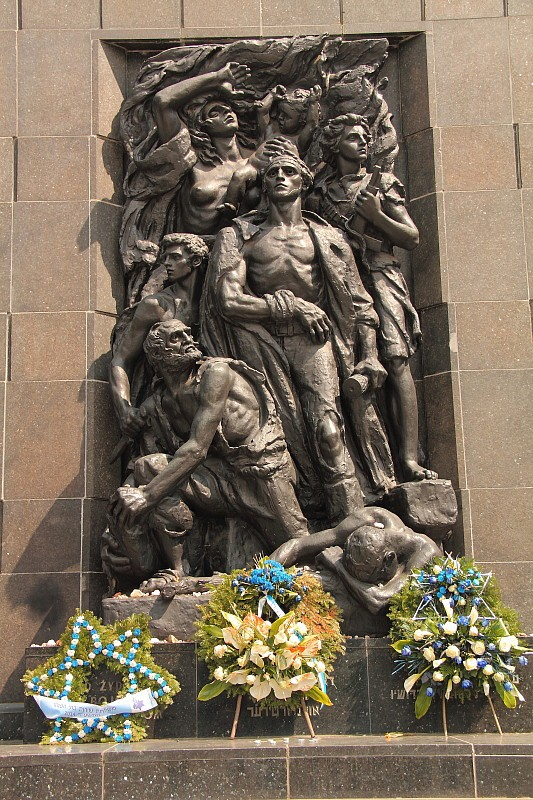 9 DPP_9682126 Памятник памяти восстания в Гетто