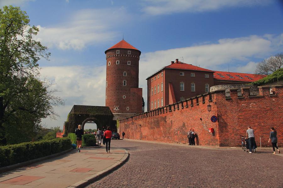 8 DPP_9682485 Бернардинские ворота (польск. Brama Bernardyńska)