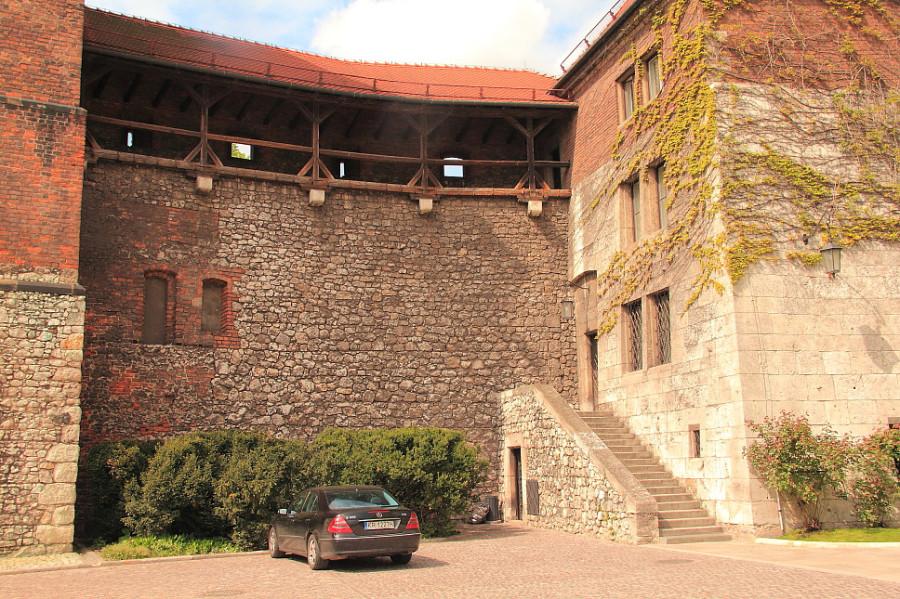 31 DPP_9682492 Крепостная стена