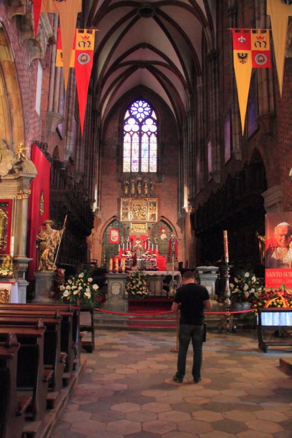 15 IMG_3866m Внутри собора