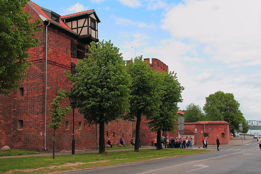 13 IMG_4162m Филадельфийский Бульвар и крепостная стена вдоль города