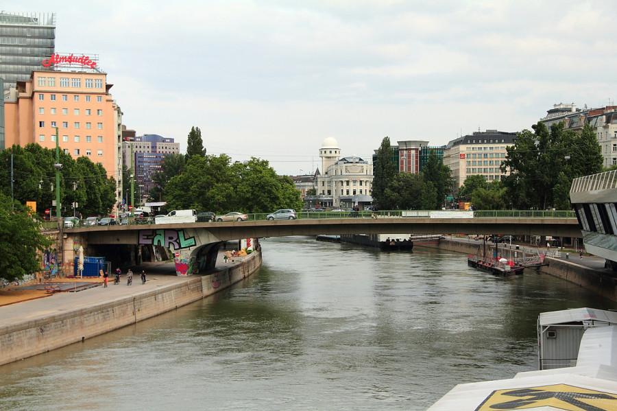 26 IMG_8612mm Дунай  в горооде.