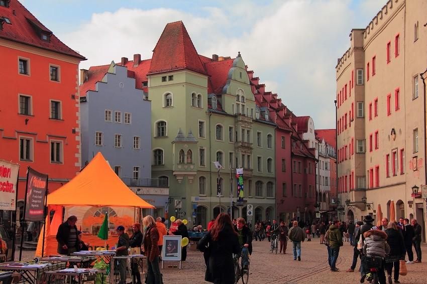 IMG_8095m площадь Haidnplatz, где до сих пор стоит здание Goldenes Kreuz