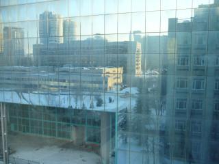 Вот так выглядит синяя стекляшка на Юго-Западной из окна первого корпуса АНХ