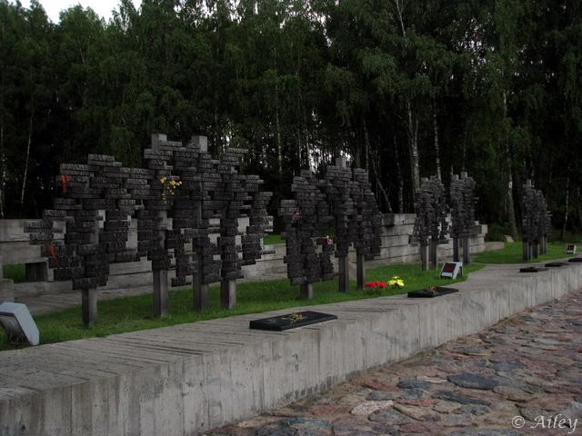 Памятник возрождённым деревням