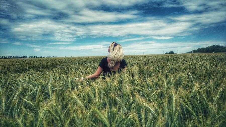 Спонтанная фотосессия в поле - Александра Савичева