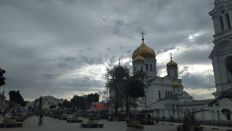 Соборная площадь в Ростове утром 1 октября 2020 года.